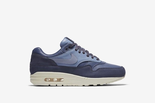 afew-store-sneaker-nike-air-max-1-pinnacle-ocean-fog-work-blue-sail-38